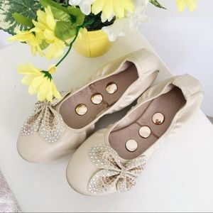 Cream Flats with Colourful Bow Detail size 6.5